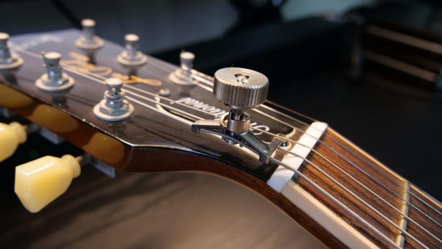 【レビュー】PITCH-KEY 一瞬でドロップチューニングが可能になる便利なギター向けアタッチメント!【PK-01】