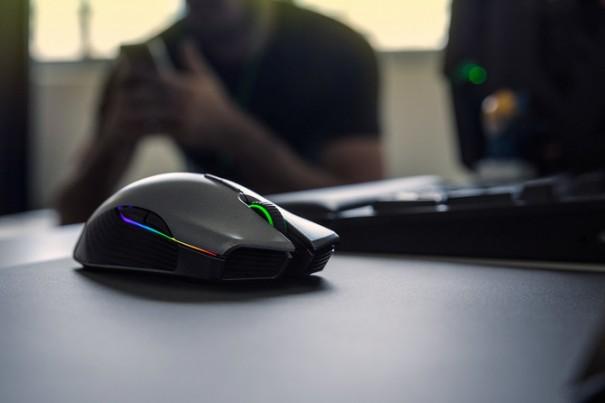 【2020年6月】FPSにおすすめなゲーミングマウス!マウスの選び方や性能、重量による違いについて !